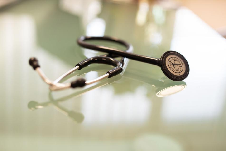 Der Spiegel berichtet von zweifelhaften Methoden der Ärzte. (Symbolbild)