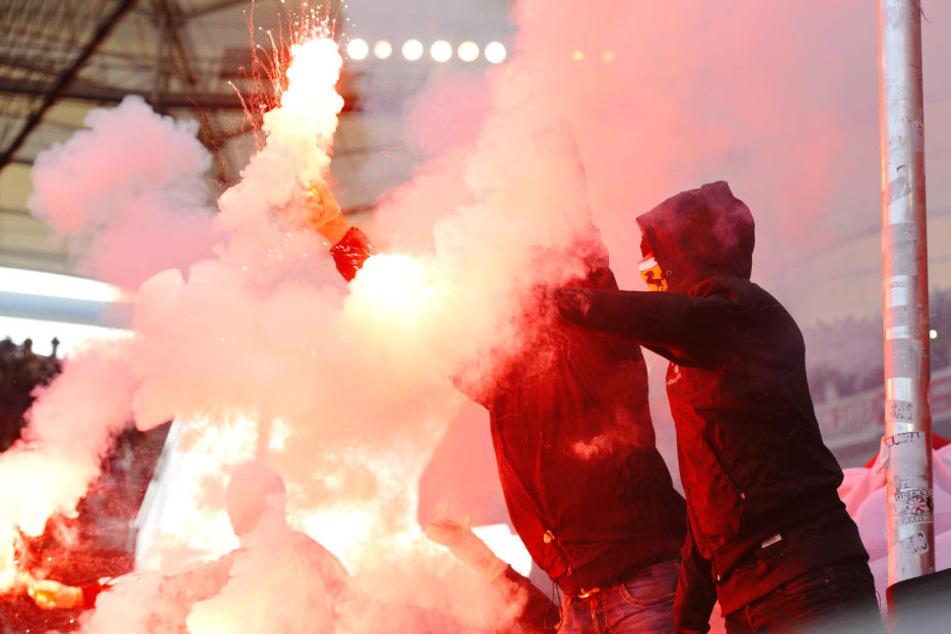Bereits vor dem Spiel hatten sich die Ultras zu einer Schlägerei verabredet.
