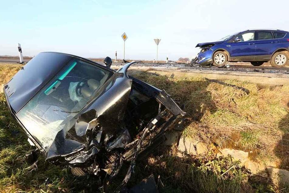 Der blaue Ford Kuga krachte auf der S111 in den VW Lupo. Beide Frauen wurden leicht verletzt.