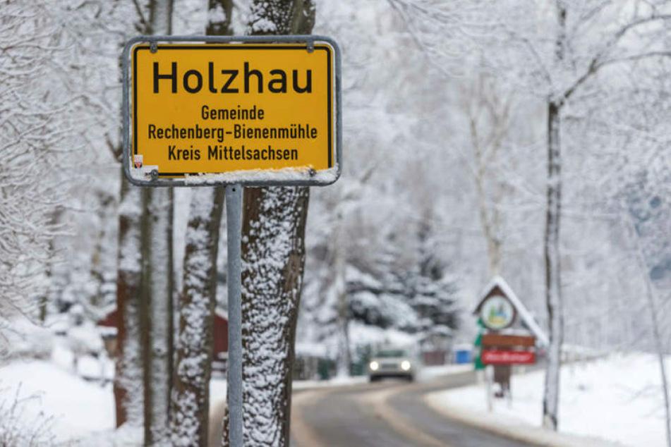 Der kleine Ort Holzhau im Osterzgebirge lebt vom Tourismus. Vor allem Ski- und Snowboardfahrer spülen im Winter Geld in die Kassen.