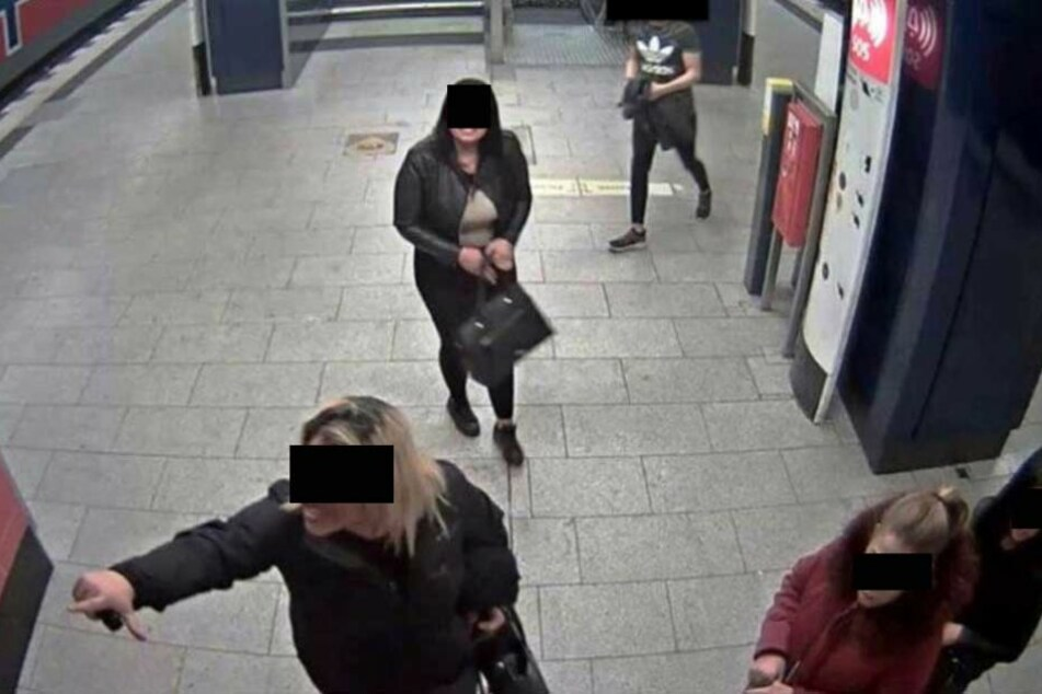 Mit diesem Bild suchte die Polizei die Täterinnen. Inzwischen haben sie sich gestellt.