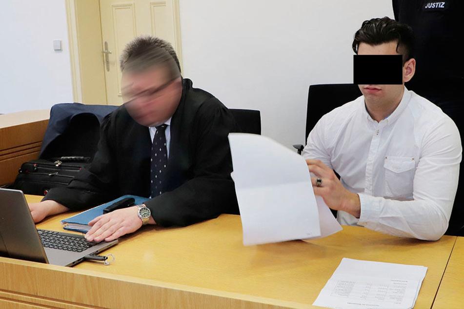 Christopher F. erschien am Montag nobel gekleidet vorm Chemnitzer Landgericht, stritt den Drogenhandel vehement ab.