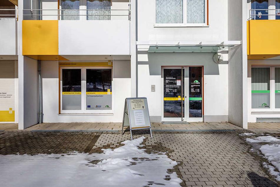 Anlaufstelle mitten in Gorbitz: Am Leutewitzer Ring gibt es Auskünfte und gelbe Säcke.