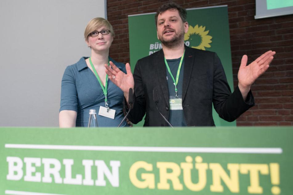 Nina Stahr und Werner Graf, Berliner Landesvorsitzende von Bündnis 90/Die Grünen, begrüßten die Delegierten beim Landesparteitag ihrer Partei.