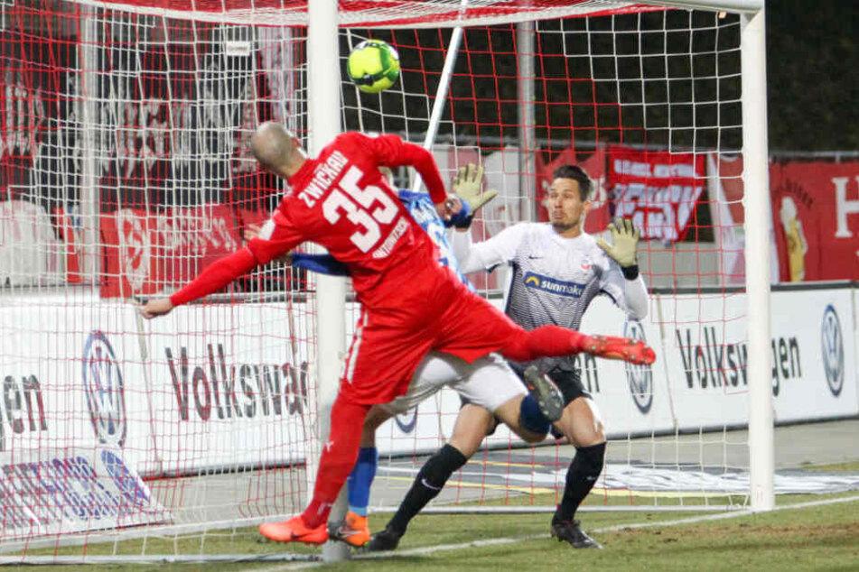 Tor für Zwickau, Nico Antonitsch trifft zum 1:0.