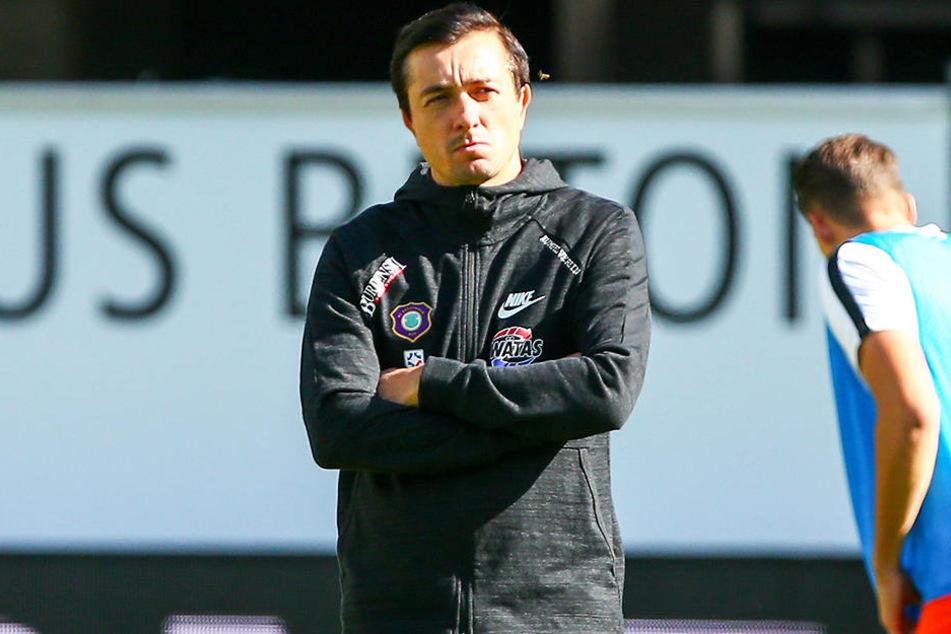 FCE-Coach Daniel Meyer guckte nach der Partie in Paderborn nachdenklich. Wieder hatte seine Mannschaft die erste Halbzeit verschlafen.