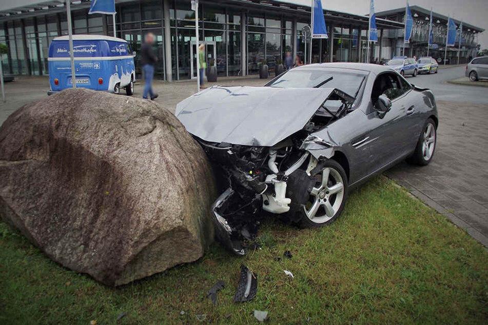 Schwächeanfall! Mercedes-Fahrer rammt neun Autos
