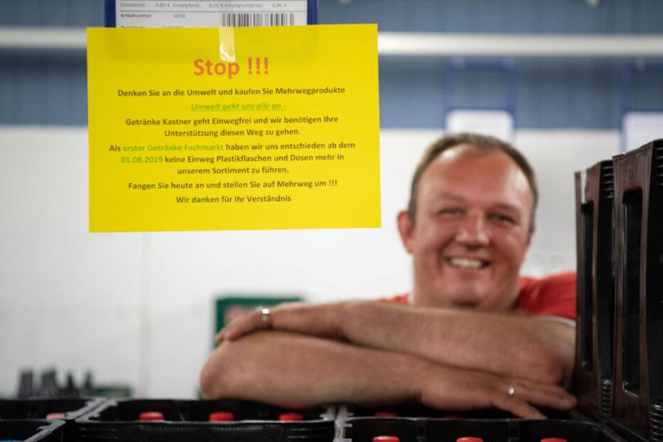 Stuttgart: Getränkehändler platzt der Kragen! Darum verkauft er kein Plastik mehr