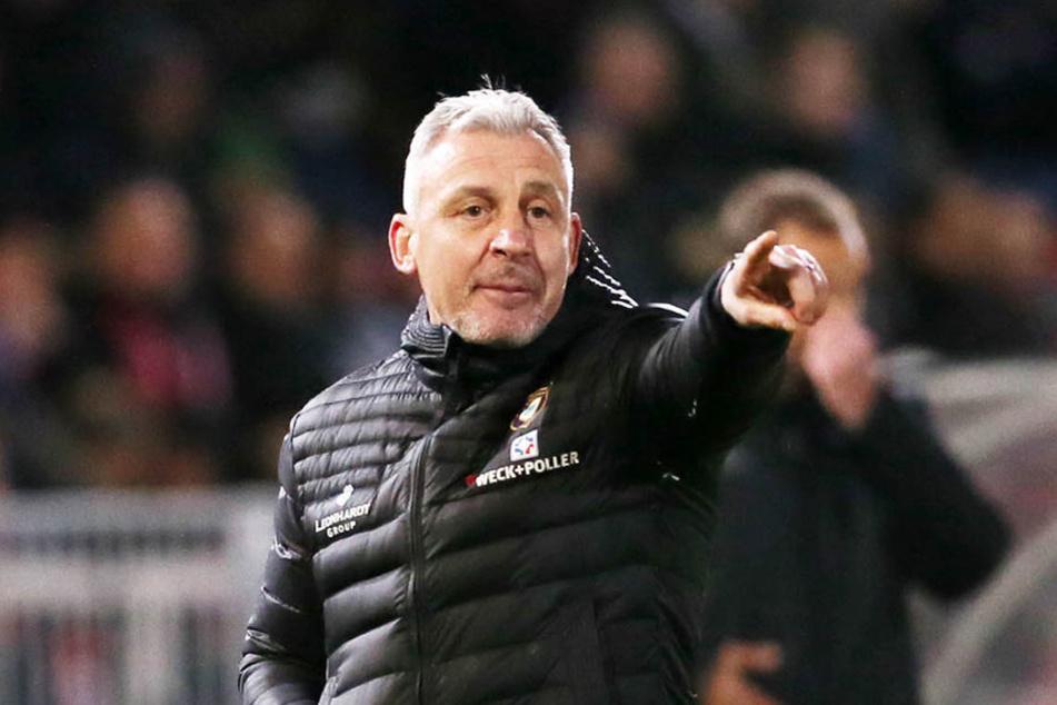 Trainer Pavel Dotchev ist trotz des 1:1 gegen Würzburg zufrieden.