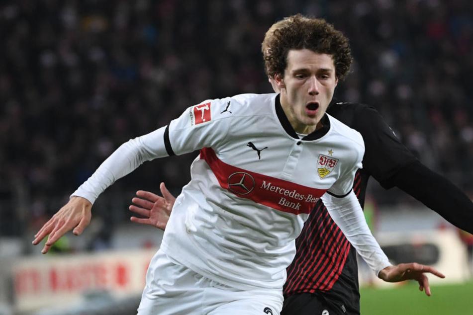 Stuttgarts Benjamin Pavard in Action. Wegen eines Nasenbeinbruchs wird er für die Partie gegen Mainz 05 ausfallen. (Archivbild)