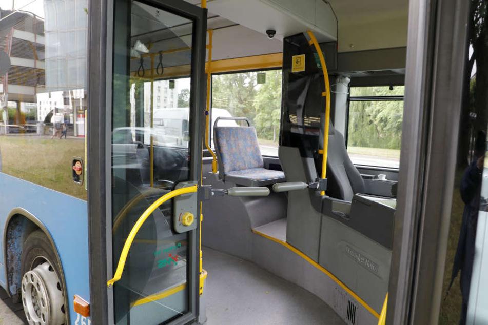 Der Bus der Linie 21 konnte vorerst nicht weiterfahren.