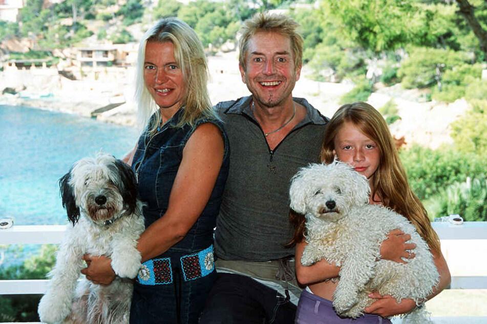 2002: Martin Semmelrogge mit seiner Frau Sonja und Tochter Joanna. Mit der Regisseurin und Künstleragentin entdeckte er Mallorca als Wahlheimat.