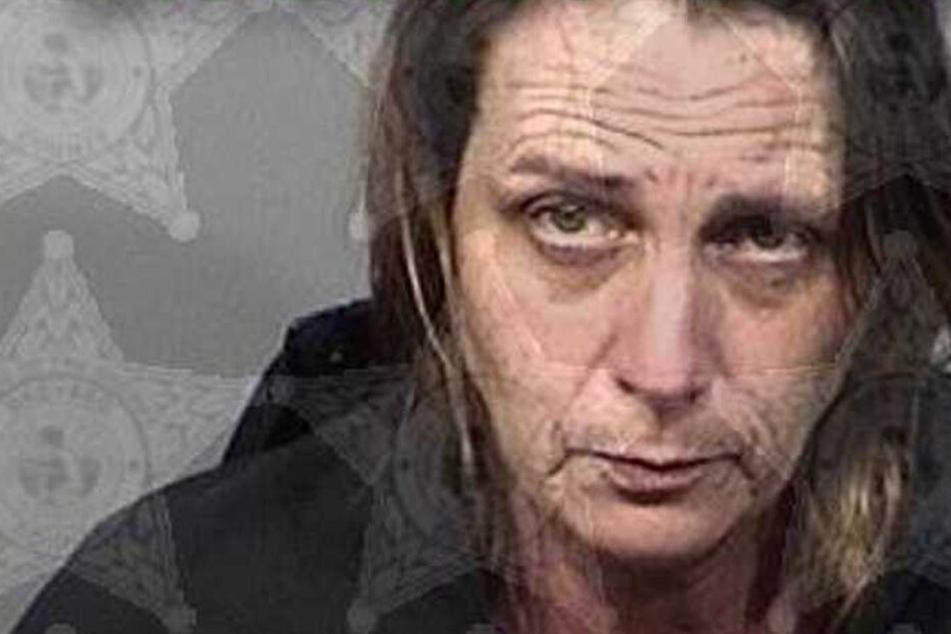 Frau schießt auf ihren Freund, weil der nachts eine Sache falsch machte