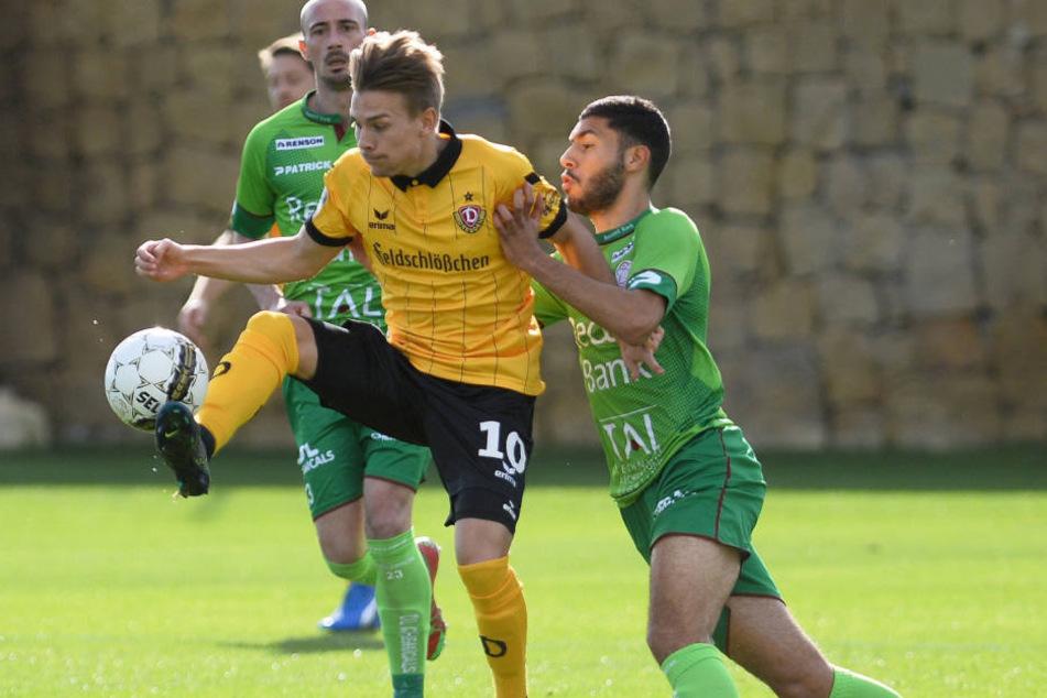 Wie hier vor einem Jahr gegen Waregem wird Dynamo seine Camp-Testspiele  wieder im Marbella Football Center bestreiten.