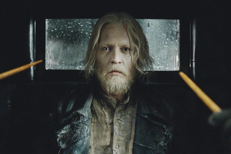Gellert Grindelwald (Johnny Depp) wurde am Ende des ersten Filmes geschnappt. Doch ein so mächtiger dunkler Zauberer wird nicht lange eingesperrt bleiben...
