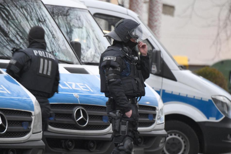 Die Polizei konnte schließlich die Männer trennen (Symbolfoto).