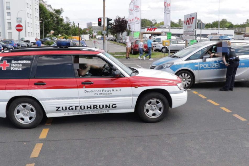 Auch die Polizei und Rettungskräfte mussten in Offenbach anrücken.