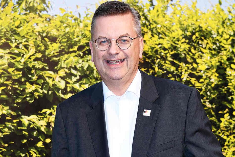 Großer Erfolg für DFB-Präsident Reinhard Grindel: Deutschland darf die Europameisterschaft 2024 ausrichten!