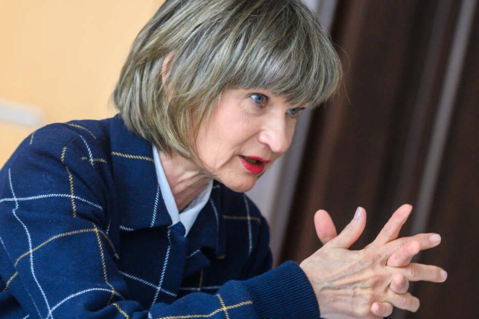 OB Barbara Ludwig (57, SPD) reibt sich die Hände, füllt der neue Blitzer doch ihr Stadtsäckel.