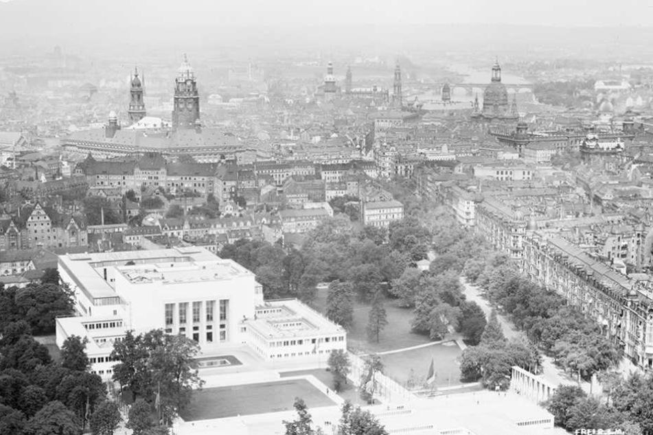 So wie auf dieser Luftaufnahme aus dem Jahr 1930 soll der Blüherpark rekonstruiert werden.
