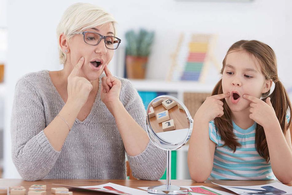 Ohne Sprache geht fast nichts. An Sprachheilschulen wie der in Chemnitz wird auf Kinder mit besonderem Förderbedarf in kleinen Klassen gezielt eingegangen.