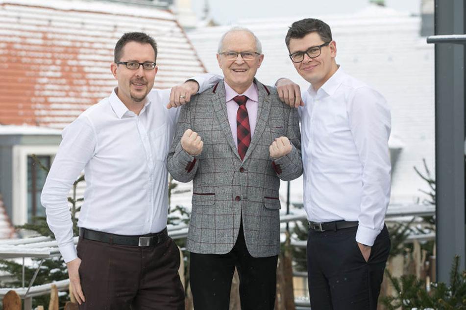 Sebastian Brandt (40, l.) und Ronny Leszkiewicz (38, r.) leiten die  Genossenschaft. Mitgründer damals war Christian Rietschel  (68, m.).