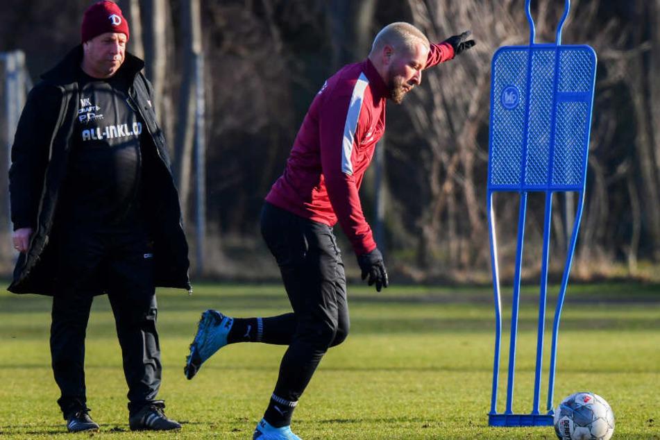 Dynamo-Trainer Markus Kauczinski (l.) dürfte es herzlich egal sein, welche Haarfarbe Patrick Ebert derzeit trägt. Hauptsache, der Routinier liefert auf dem Platz ab.