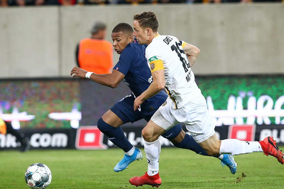 Im Test gegen Paris versuchte Jannik Müller, PSG-Superstar Kylian Mbappe zu folgen - war ab und an aussichtslos...