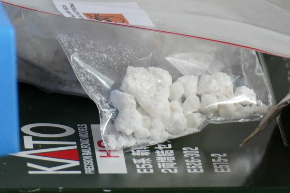 """500 Gramm der Substanz """"3-MMC"""" stellte die Polizei in Ludwigshafen sicher."""
