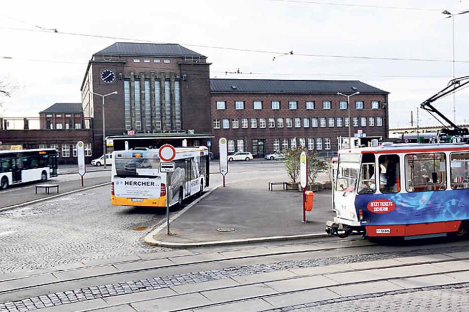 Der Zwickauer Hauptbahnhof: Ein kostenloser Parkplatz würde dessen Bedeutung als Verkehrsknotenpunkt weiter aufwerten.