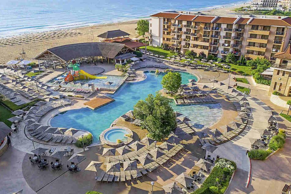 Eine atemberaubende Poollandschaft bietet das 4-Sterne Hotel HVD CLUB MIRAMAR.