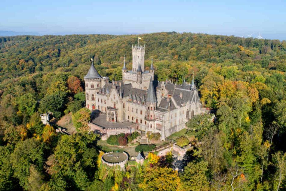 Um das wunderschöne Schloss Marienburg streiten sich Ernst August Prinz von Hannover und sein Sohn.