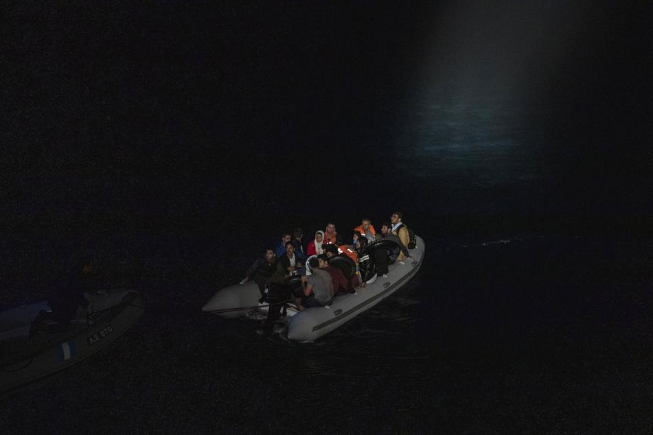 Ein Mensch ist Berichten zufolge an der Küste von Lesbos erfroren. (Symbolbild).