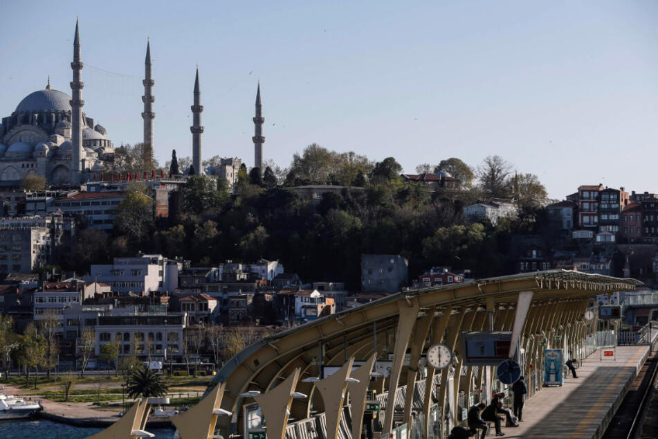 Die Kulisse vor der ikonischen Süleymaniye-Moschee in Istanbul.
