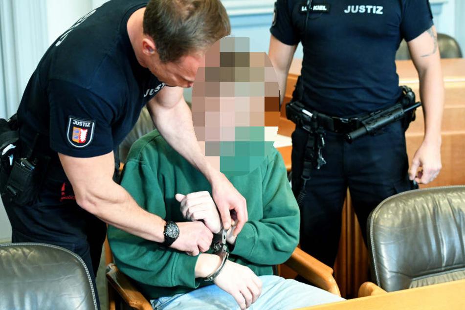 Dem 48 Jahre alten Angeklagten wird seit Oktober in Kiel der Prozess gemacht.