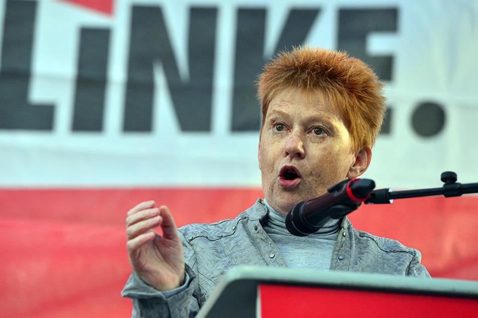 Bundestagsvizepräsidentin Petra Pau (Die Linke) bei einer Wahlkampfveranstaltung ihrer Partei.