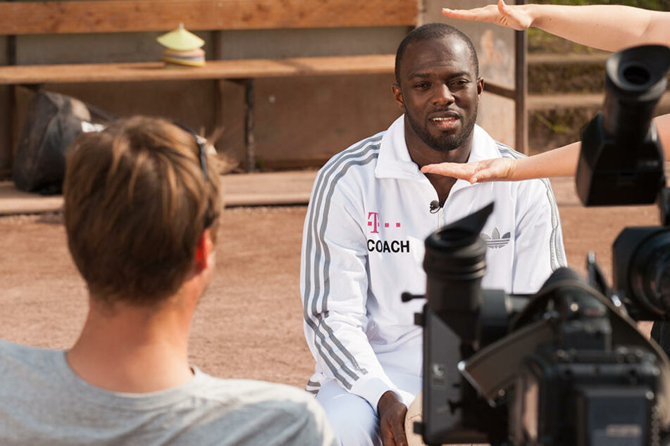 Hans Sarpei dreht schon die vierte Staffel seine eigenen Trainer-Show.
