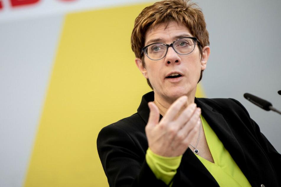 Annegret Kramp Karrenbauer plädiert für einen kühlen Kopf.