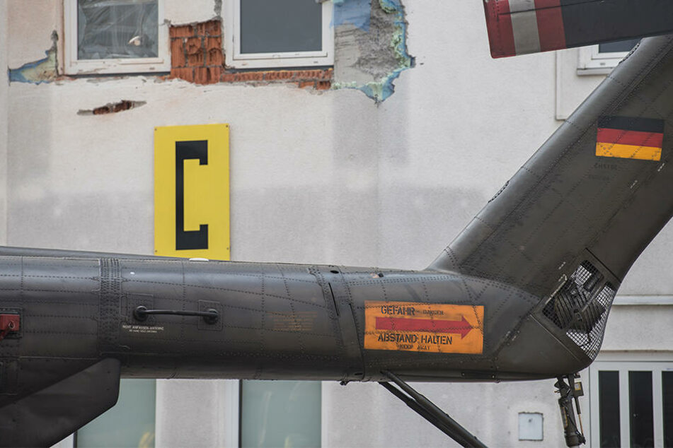 Hubschrauber kollidiert mit Tower - Mitarbeiter tot