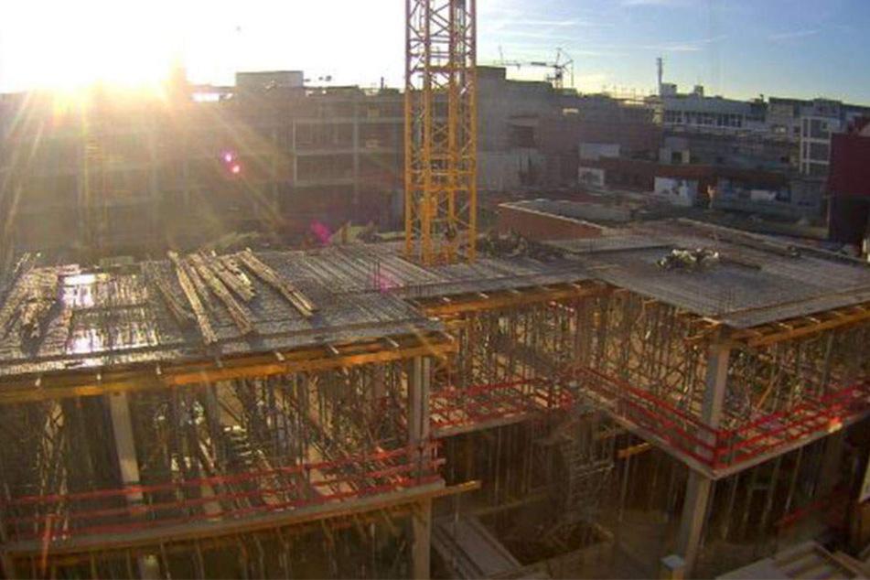 Die Arbeiten auf der Baustelle liegen im Zeitplan. Das Center soll im Herbst 2017 eröffnet werden.