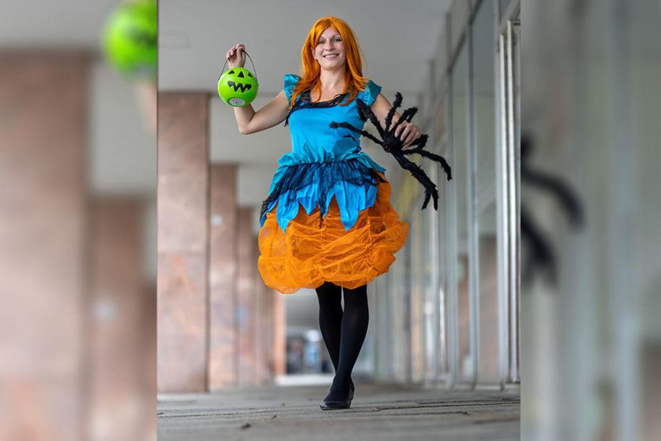 Anja Büttner (35) weiß: Kostüme, die an einen Kürbis erinnern, liegen voll im Trend.