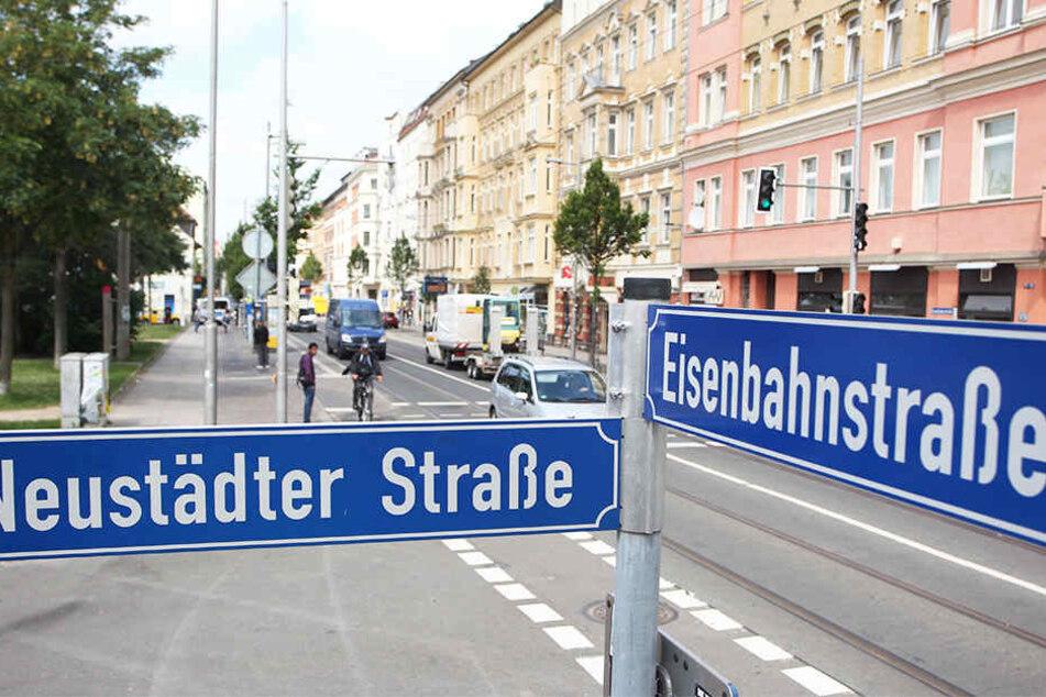Die Eisenbahnstraße ist oft Schauplatz von Kriminalität. Doch Stadt und Anwohner halten kreativ und bunt dagegen.