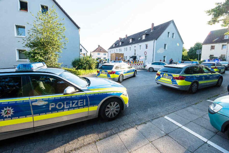 Ein Großaufgebot der Polizei war am Einsatzort.