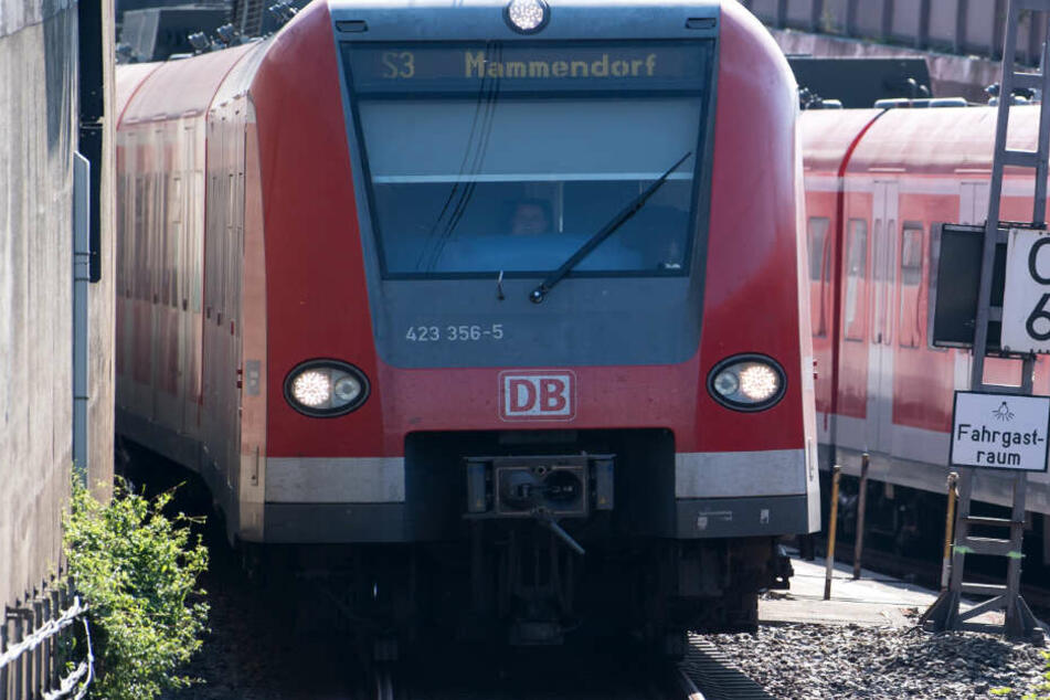S-Bahnverkehr in München nahezu lahmgelegt, Bahn gibt Entwarnung