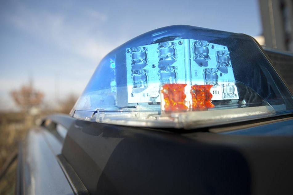 Ein normaler Streifenwagen konnte den Opel Corsa nicht stoppen. Erst als die Zivilpolizei eingriff nahm die Autofahrt ein Ende (Symbolbild).