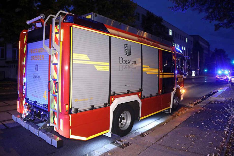 Das Bett in einem der Zimmer der Asylunterkunft hatte Feuer gefangen. Die Ermittlungen zur Brandursache laufen.