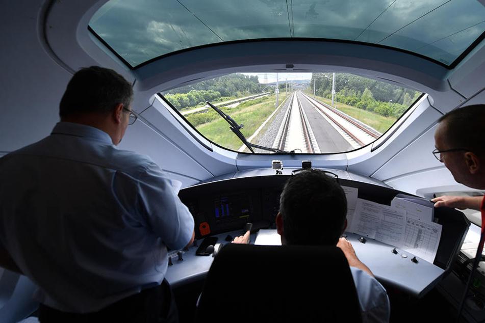 Die ICE-Neubaustrecke verkürzt die Reisezeit auf rund vier Stunden von Berlin nach München.