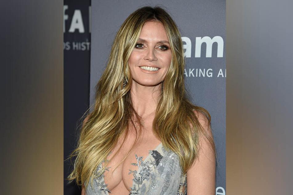 Heidi Klum (45) beeindruckte in New York mit ihrem Dekolleté.