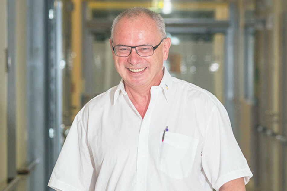 Haut-Experte Prof. Uwe Wollina, Chefarzt der Dermatologie im Friedrichstädter  Krankenhaus rät zum Sonnenhut.