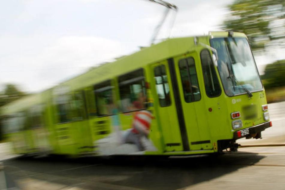 Der Vorfall ereignete sich in Zwickau an der Haltestelle Himmelfürststraße. (Symbolbild)